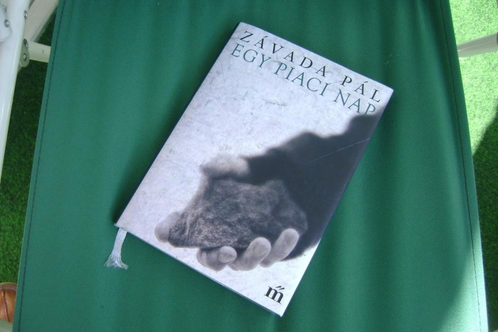 Egy piaci nap – ma is aktuális Závada Pál regénye